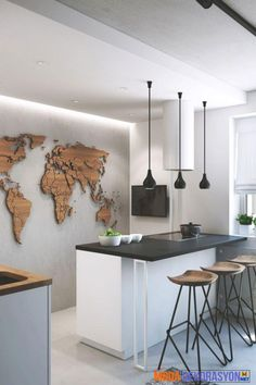 moderne Küche mit Betonwand und Weltkarte aus Holz modern kitchen with concrete wall and world map made of wood