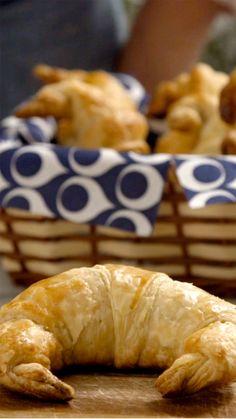 Fazer croissant de frango com requeijão nunca foi tão fácil.                                                                                                                                                                                 Mais
