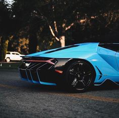Lamborghini Centenario painted in Blu Cepheus Photo taken by: @relivinap on Instagram Owned by: @hawaiibrad on Instagram