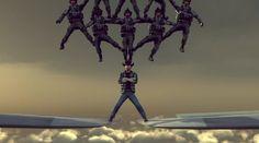 Chuck Norris fait le grand écart entre deux avions - http://www.2tout2rien.fr/chuck-norris-fait-le-grand-ecart-entre-deux-avions/