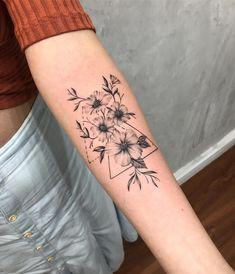 Image about tattoo in Tatuagem/Tatto by Anna Clara Dream Tattoos, Cute Tattoos, Small Tattoos, Tatoos, Tattoos For Arm, Forarm Tattoos For Women, Ladies Tattoos, Constilation Tattoo, Make Tattoo