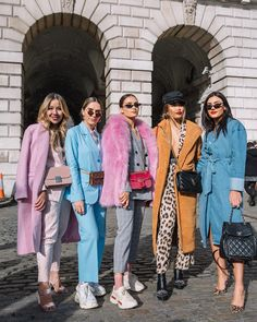 35 Ideas For Fashion Week Street Style Outfits Coats Fashion Blogger Style, Look Fashion, Winter Fashion, Womens Fashion, Fashion Tips, Fashion Bloggers, Crazy Fashion, Feminine Fashion, French Fashion