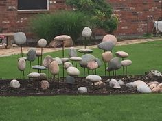 Love this rock display in the flower bed! I wonder how it's done? Any ideas… - ROCK ART Landscaping With Rocks, Outdoor Landscaping, Rock Sculpture, Garden Sculpture, Outdoor Art, Outdoor Gardens, Rock Yard, Rock Rock, Rock Decor