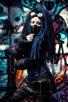 its Gortex and Graffiti ~~~Pitite Oudy ❛☂❜ Alt model Pitite Oudy ✒ post-punk , cyber goth , industrial,Steam, costume play & Dance http://pititeoudy.bookspace.fr/ https://www.facebook.com/OudysCybergothModele/