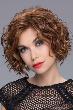 The Turn Wig is from the Ellen Wille 2019 Changes Collection. Turn is an ultra-gorgeous, mid-length style full of curls throughout. With a perfect fringe measuring at that naturally sweeps to the side, this style will flatter every face shape. Synthetic Lace Front Wigs, Synthetic Wigs, Crown Hairstyles, Bob Hairstyles, Blonde Roots, Short Wavy Hair, Medium Curly, Medium Layered, Layered Hair