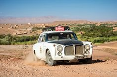 Photo gallery, race results and report from Sahara Challenge Rally held October in Spain and Morocco, starting in Madrid and ending in Marrakesh. Rally Car, Cars And Motorcycles, Antique Cars, Challenges, Racing, Vintage Cars, Running, Auto Racing