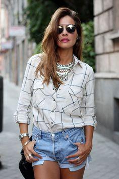 2014 necklace Dylanlex, shirt Zara, shorts Levi's vintage, sandals LadyAddict for Krack,