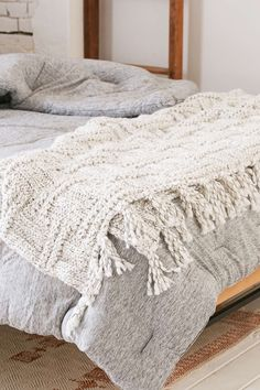 Seed Stitch Knit Throw Blanket - Urban Outfitters