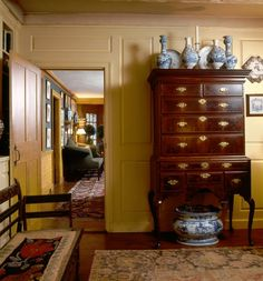 Edward Lee Cave's home, CAPTAIN'S FARM. The living room. A Philadelphia highboy, circa 1780.