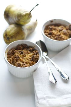 crumble di pere vegan e senza glutine - vegan and gluten free pear crumble