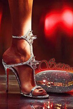 fdcca9e94 23 лучших изображения доски «Обувь от christian louboutin» за 2017 ...