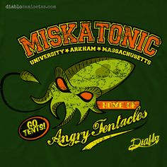 Camiseta con diseño con estética de old school americana, inspirado en Cthulhu, personaje creado por HP Lovecraft, que representa a la mascota de la Universidad de Miskatonic (también inventada por el escritor) situada en Arkham. www.diablocamisetas.com