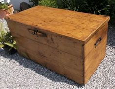 Wooden Toy Chest, Wooden Toys, Toy Storage Boxes, Toy Boxes, Coffee Table Toy Box, Vintage Chest, Antique Sideboard, Trunks And Chests, Vintage Chairs