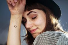 Loveee this. Self timer tattoo for photography lovers via Laura Zalenga Photography