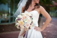 Pastel Hued Bouquet 550x366 How to Find Your Wedding Floral Style?