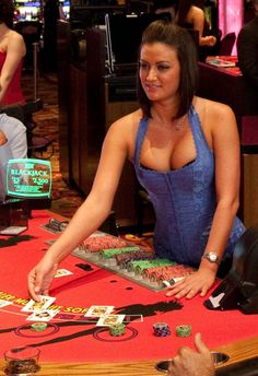 Zigzag girl deals blackjack at seminole casino immokalee vegas casino, casi Casino Night Party, Casino Theme Parties, Casino Table, Online Casino Games, Casino Outfit, Thing 1, Healthy Work Snacks, Las Vegas Nevada, Casino Royale
