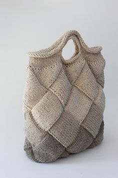 Bag of Swedish birch technique Wednesday dispatch: Na Knit a Pair of Entrelac Socks Crochet Handbags, Crochet Purses, Crochet Shell Stitch, Knit Crochet, Diy Bag Tags, Craft Bags, Purse Patterns, Tote Pattern, Sewing Patterns