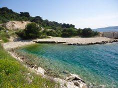 In Okrug Donji gibt es viele solche kleinen Strände, die ideal sind für alle, die etwas Ruhe während ihres Badeurlaubs suchen.