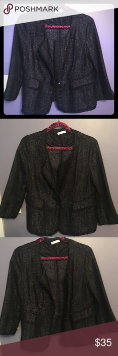 Brand new gorgeous black blazer/ jacket Beautiful black shimmery blazer. Has one button in the middle to snap together for a more put together look. Or, switch things up and leave open for a more casual look. Goes perfect with all different types of tops including tanks, tees, long sleeves, and more. Looks like there are two pockets, however that is just for show.. it's the design; there are no pockets. Brand new, never worn, I misplaced receipt. NWOT. Trade Value is $50.00 New York…
