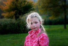► Title: Little girl in the autumn park. ► Photo by: © Vancsai Erzsébet (Van.elise)