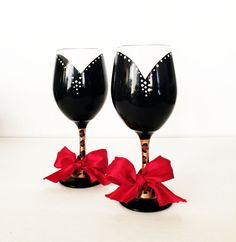 Couture wine glass set by http://creativeboozing.com/