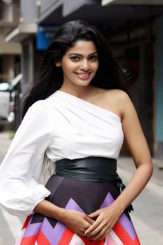 All Indian Actress, Indian Actresses, Pooja Sawant, Alia Bhatt Cute, South Indian Film, Malayalam Actress, Indian Models, Hottest Photos, Business Fashion