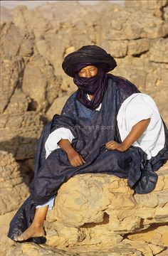Deserts of Libya Tripoli, Medina Morocco, Desert Sahara, Cool Pictures, Cool Photos, Visit Egypt, Tribal People, African Countries, Traditional Fashion