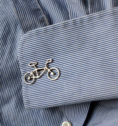 These cufflinks are perfect for that dapper biker! They are little solid sterling silver bikes that I made originally and then cast. Sharp Dressed Man, Well Dressed Men, Mode Man, Der Gentleman, Bike Style, Fashion Details, Men Dress, Fashion Accessories, Suit Accessories