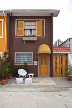 Ideas home plans rustic exterior colors Exterior Colors, Exterior Design, Rustic Exterior, House Paint Exterior, Small House Design, Facade House, Small House Plans, Simple House, House Painting