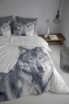 Be wild, brave & beautiful.. with this husky cover for your bed #husky #wild #animal #winter #cover