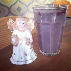 Lonneke Engel's Purple Power Smoothie on Organice Your Life® http://organiceyourlife.com/purple-power-smoothie/