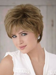 Best Womens Hairstyles For Fine Hair – HerHairdos Hair Styles For Women Over 50, Short Hair Cuts For Women, Short Hairstyles For Women, Hairstyles With Bangs, Cool Hairstyles, Hairstyle Ideas, Pixie Hairstyles, Short Curly Hair, Curly Hair Styles