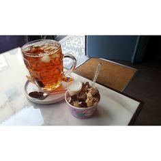 Donnie Dough (@donnie.dough) • Fotos e vídeos do Instagram Cookie Desserts, Cookie Dough, Coffee Maker, Kitchen Appliances, Cookies, Instagram, Coffee Maker Machine, Cooking Utensils, Coffeemaker