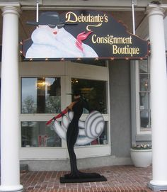 Designer Consignment Shops - Get Famous Brands at Low Prices on Designer Consignment Shops - Handbags are considered one of the most essential accessories of a woman. Today the markets are hoarded with innumerable varieties of handbags including designer handbags to suit different occasions and outfits. Handbags are available in different varieties which include shapes, and colors. READ MORE…