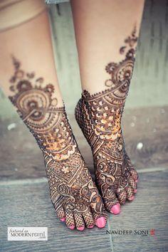 Credit: Navdeep Soni Photography #wedding #ceremony #india #bride #henna #pink #southasian #bridal #weddingideas #photography