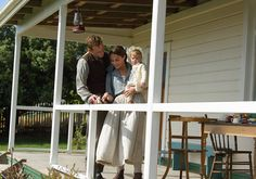 'The Light Between Oceans', após o fim da Segunda Guerra Mundial o faroleiro Tom Sherbourne..
