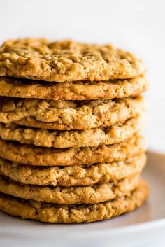Fantastic chewy, peanut-buttery Peanut Butter Oatmeal Cookies that everyone will love, plus instructions for freezing the dough for later. Best Peanut Butter Cookies, Peanut Butter Sauce, Peanut Butter Oatmeal, Salted Butter, Frozen Cookie Dough, Frozen Cookies, Chocolate Biscuits, Chocolate Chip Cookies, Matcha
