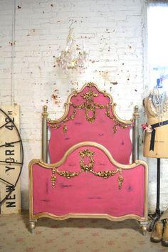 lit baroque, chambre shabby chic et lit rose original