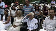 """CURIOSIDADES (Mc., 16 oct 2013)       PARAGUAY - """"Ancianos paraguayos tardan 80 años en celebrar su boda"""". ..Un total de 80 años llevó a una pareja de enamorados paraguayos el decidirse a dar el sí quiero en una boda religiosa celebrada esta semana en el departamento de San Pedro, a unos 250 km de la capital de Paraguay, Asunción. .."""