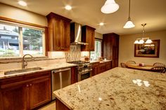 Leitner Construction provides innovative kitchen remodel project management throughout Portland, Lake Oswego, West Linn and Vancouver, Clark County.