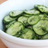 Refreshing Summer Side: Sweet and Sour Cucumbers aka Pappas gurksallad Cucumber Recipes, Cucumber Salad, Salad Recipes, Caprese Salad, Spinach Salad, Healthy Snacks, Healthy Eating, Healthy Recipes, Raw Recipes
