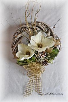 Vánoční věnec na dveře - vinná réva, šedá patina - světlé magnolie