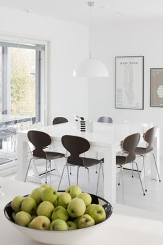 Dining Corner, Dining Area, Kitchen Dining, Dining Chairs, Dining Table, Dining Rooms, Design Hotel, Apartment Interior Design, Kitchen Interior