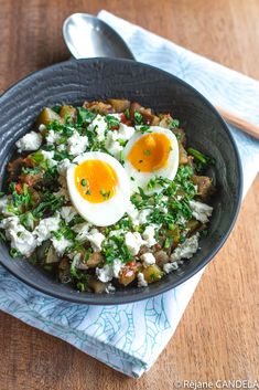 Comme une Shakshuka, Ratatouille, Fêta & Oeuf - Food for Love Healthy Skin, Healthy Life, Gastro, Budget Meals, Cobb Salad, Feta, Side Dishes, Veggies, Cooking