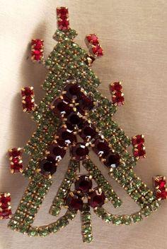 Jeweled Christmas Trees, Xmas Trees, Christmas Wreaths, Christmas Glitter, Christmas Jewelry, Vintage Christmas, Jewelry Tree, Vintage Stuff, Ruby Lane