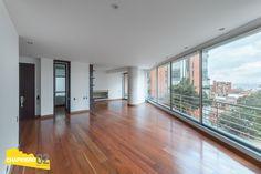 Apto Arriendo :: 190M2 + B :: Rosales :: $7.5 - Chapinero 02 :: Real Estate Garage Doors, Real Estate, Windows, Outdoor Decor, Home Decor, Apartments, Houses, Homemade Home Decor, Real Estates