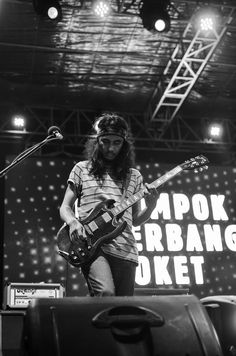 Rey Marshall (Kelompok Penerbang Roket) at Soundsations.