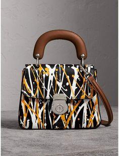 Burberry The Small Splash Top Handle Bag Tote Handbags, Purses And Handbags, Sacs Design, Luxury Purses, Small Bags, Beautiful Bags, My Bags, Fashion Bags, Bag Accessories