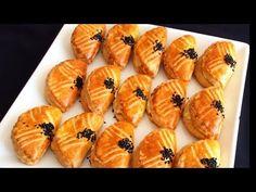 Kıyır Kıyır Bayatlamayan Mayasız Poğaca bera tatlidunyasi - YouTube Turkish Recipes, Ethnic Recipes, Scones, Sushi, Deserts, Food And Drink, Sweets, Snacks, Baking