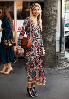 Boho style: Floral print chiffon maxi dress and strappy sandals